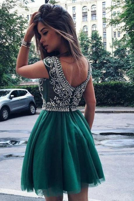 Fashion A-Line Scoop Sleeveless Short Homecoming Dress With Beading
