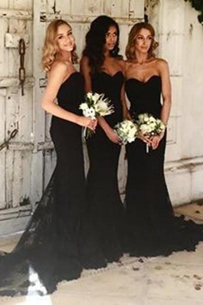 Black Sweetheart Neckline Mermaid Bridesmaid Dress with Sweep Train